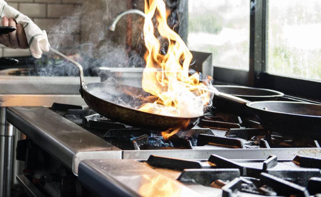 burnshield-flame-on-stove-top